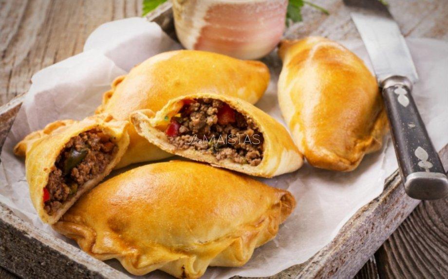 Empanados pyragėliai su jautiena mėsa