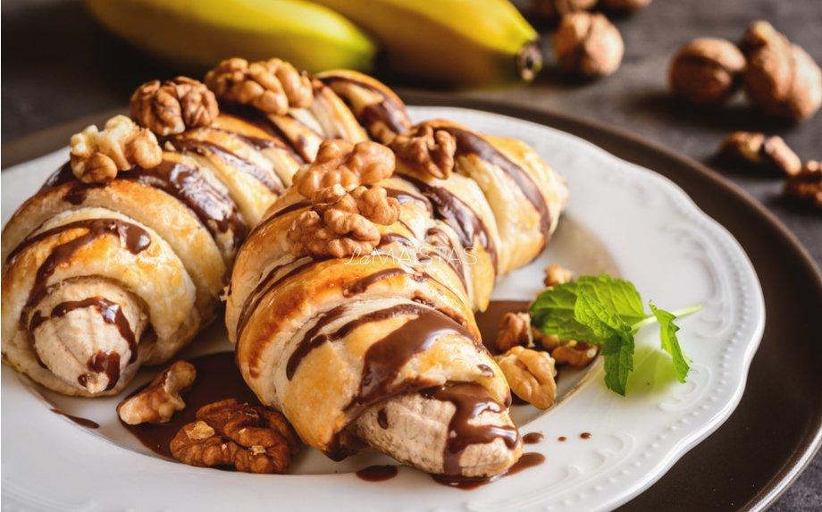 Bananai tešloje