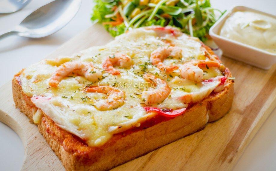 Karšti sumuštiniai su sūriu ir krevetėmis