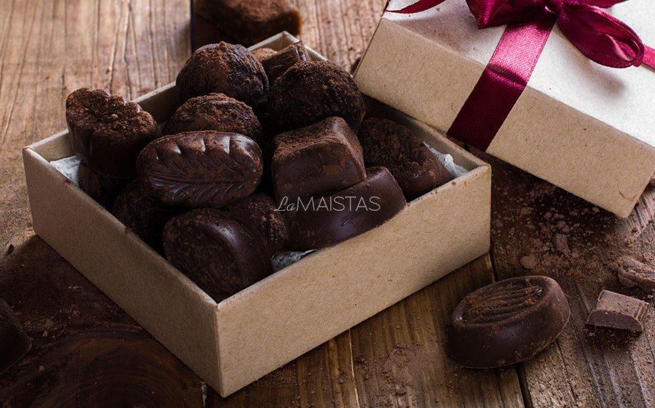 Šokoladiniai saldainiai be cukraus