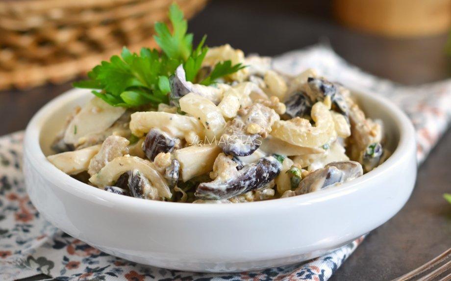 Suomiškos marinuotų grybų salotos - be majonezo!