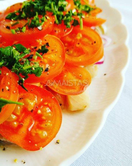 Gaivi silkė su pomidorais