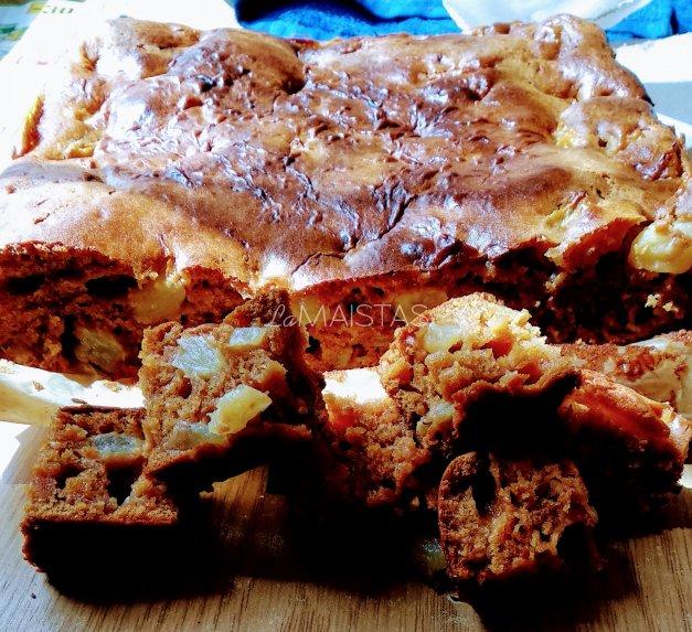 Karamelinis pyragas su obuoliais