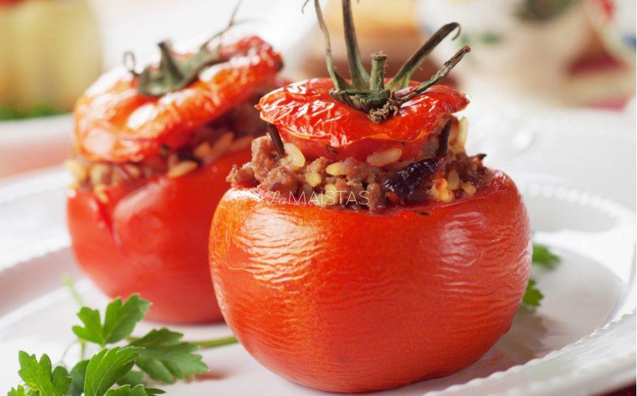 Faršu įdaryti pomidorai orkaitėje