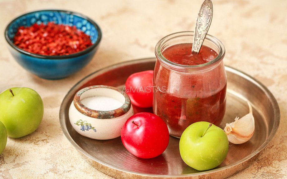 Slyvų ir obuolių padažas