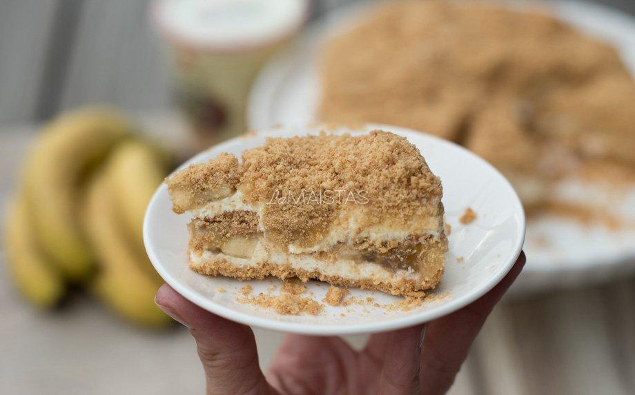 Nekeptas sausainių tortas su bananais