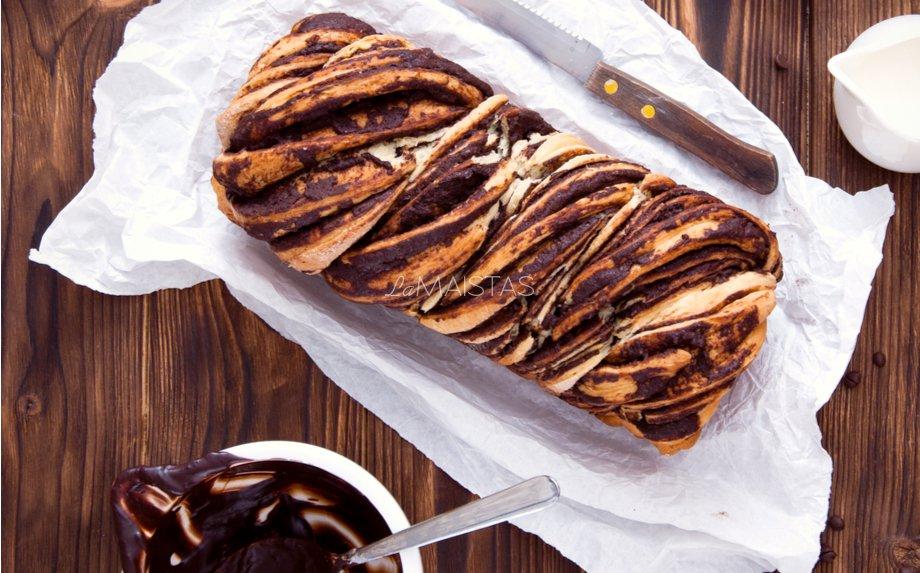 Babka mielinis pyragas su įdaru šokoladu