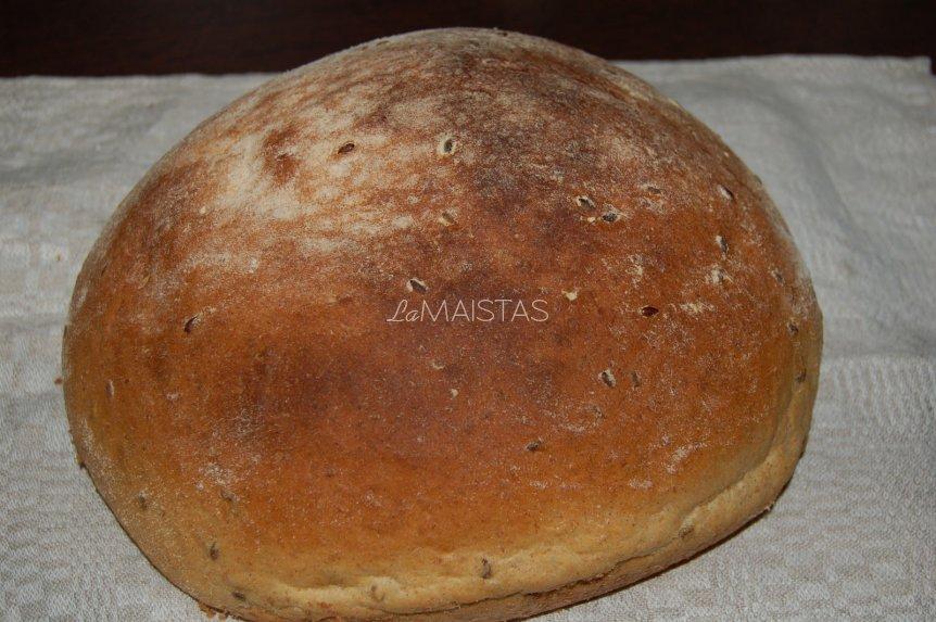 Naminė duona su linų sėmenimis