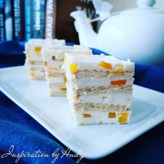 Nekeptas sausainių pyragas tortas su varške