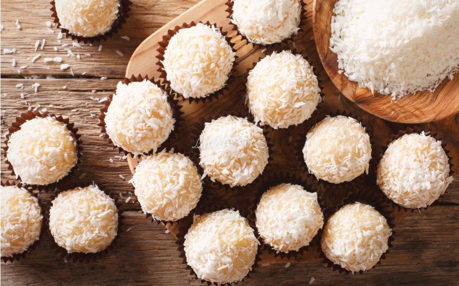 Braziliški kokosiniai saldainiai su kondensuotu pienu