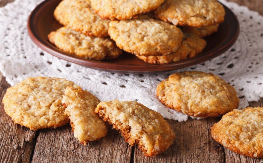 Australiški sausainiai su kokosu