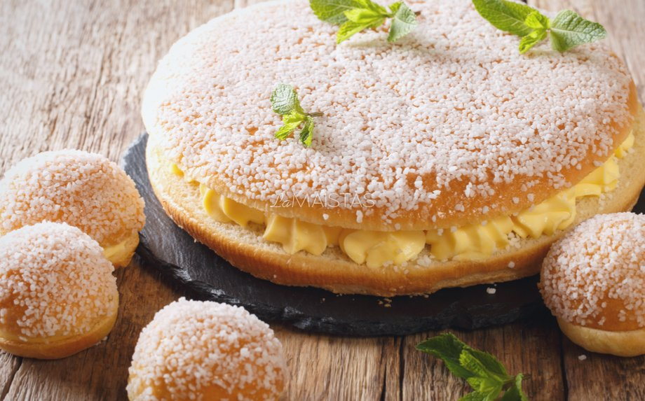 Prancūziškas pyragas su plikytu kremu