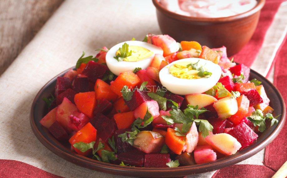 Suomiškos burokėlių salotos be majonezo