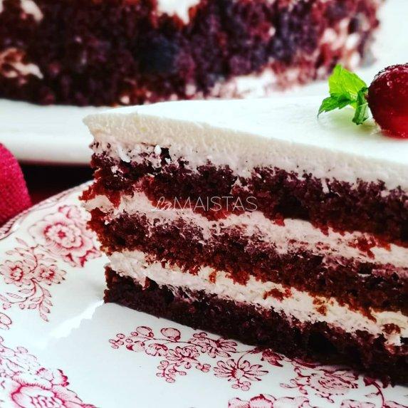 """Tortas Raudonasis aksomas pagal """"Saulėtą virtuvę"""""""