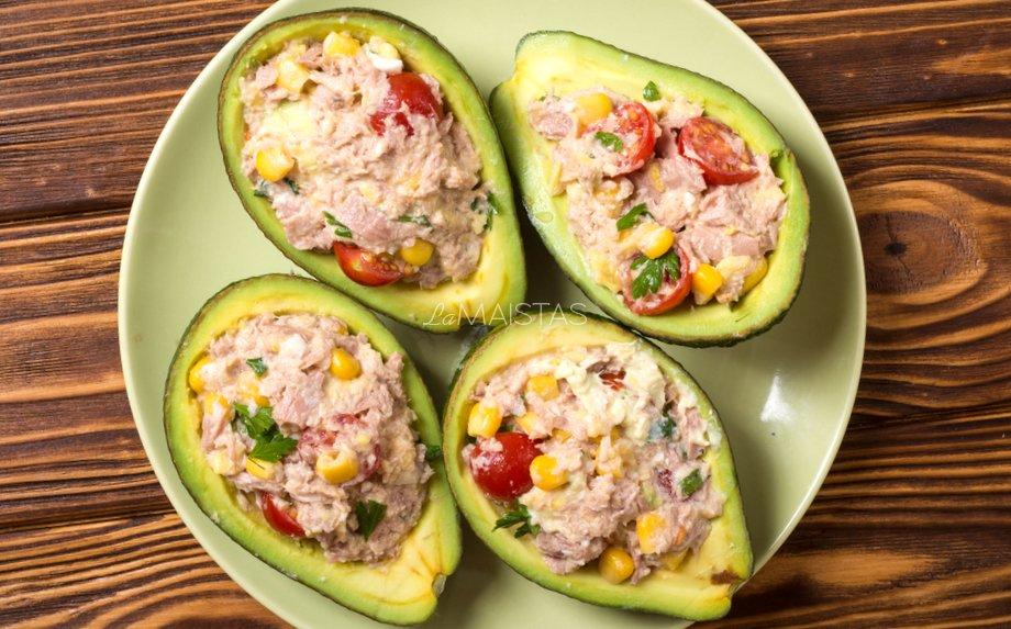 Tuno salotos su avokadais