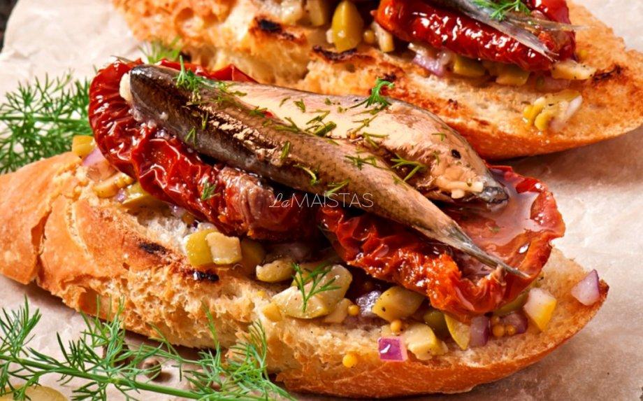 Šventiški sumuštiniai su šprotais