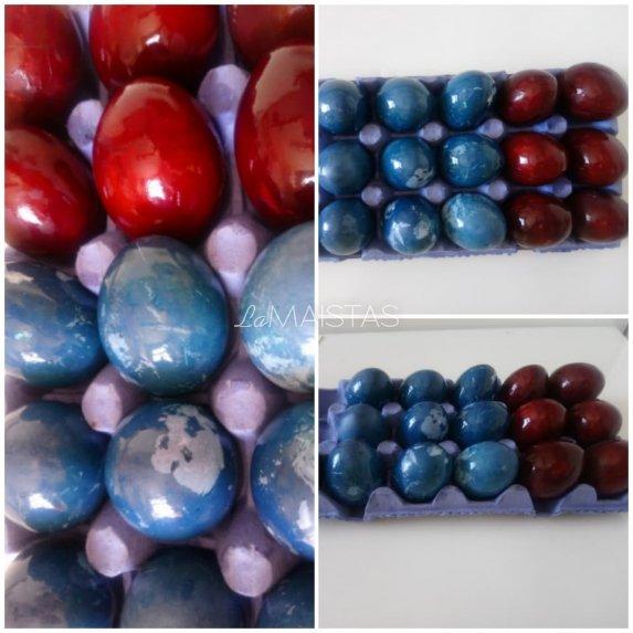 Natūraliai kopūstais dažyti kiaušiniai