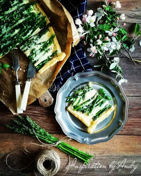 Smidrų pyragas su sūriu