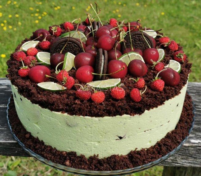 Šokoladinis tortas su mėtiniu maskarponės kremu