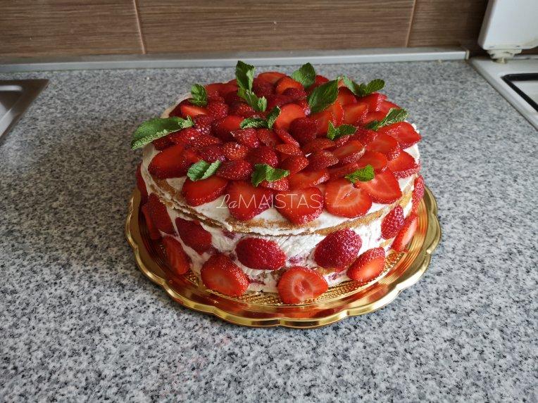 Braškių tortas su grietininiu kremu