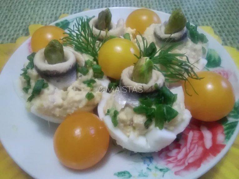 Pikantiški įdaryti kiaušiniai su obuoliais