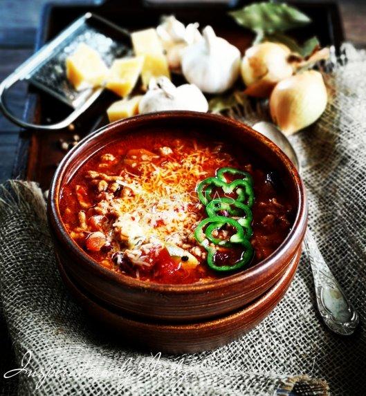 Soti mėsos sriuba su pupelėmis