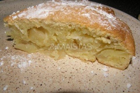 Obuolių pyragas su kokoso drožlėmis