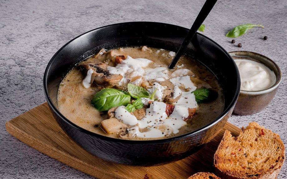Perlinių kruopų sriuba su vištiena ir pievagrybiais