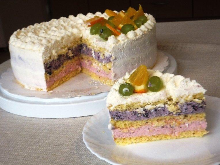 Spalvingas tortas su maskarponės kremu