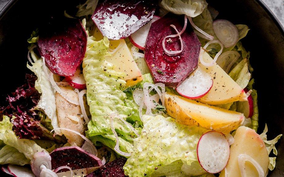 Gaivios salotos su ridikėliais ir bulvytėmis