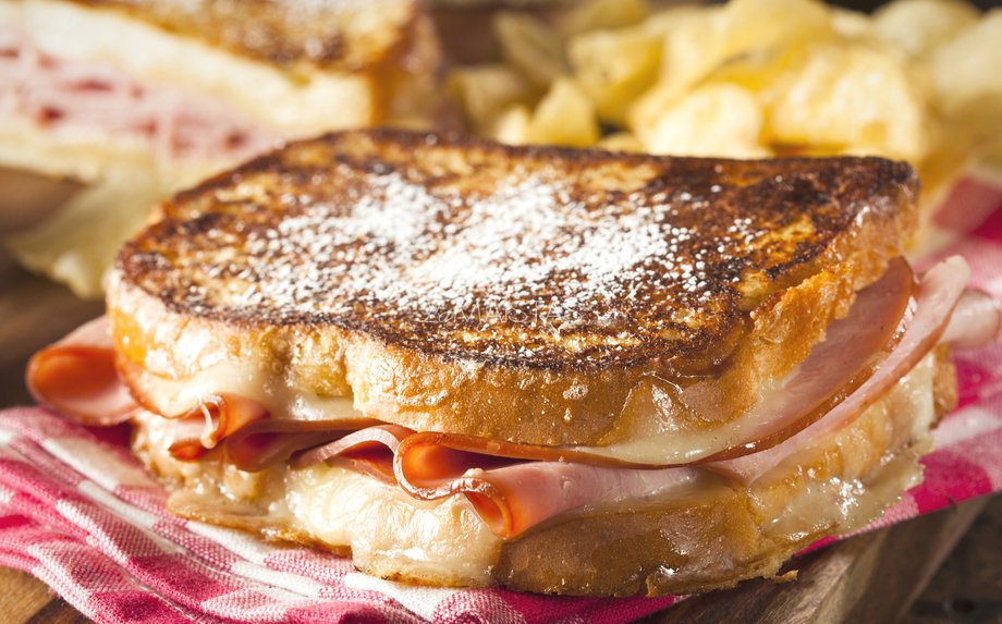 Keptas pusryčių sumuštinis Montekristas