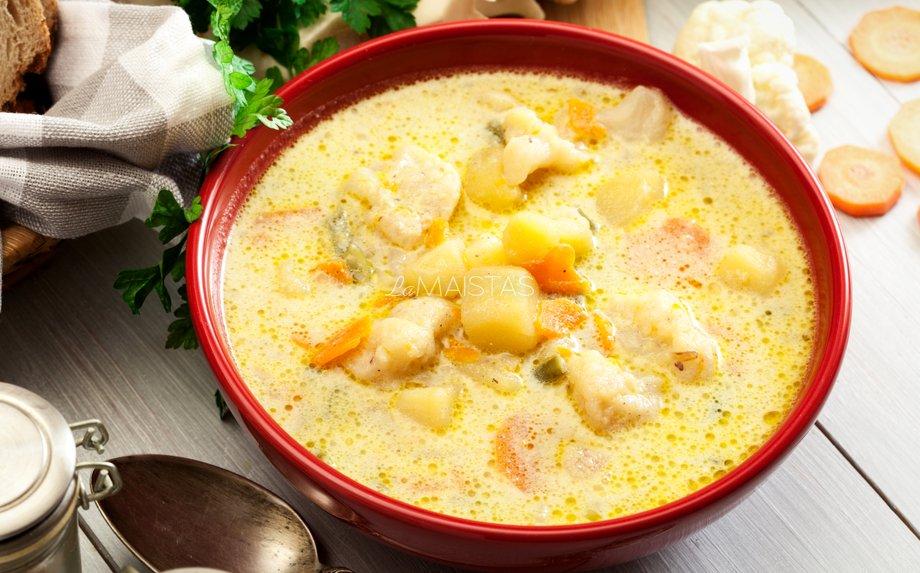 Soti lašišos ir bulvių sriuba