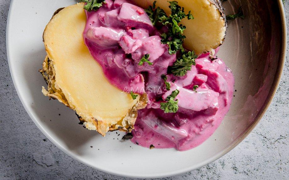 Keptų bulvių ir ZIGMO silkės užkandėlė