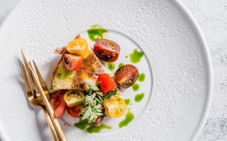 Tortilijų suvožtinis su vištiena, kiaušiniais ir sūriu