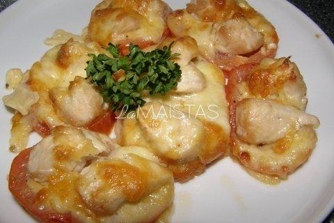 Pomidorų bokšteliai su vištiena