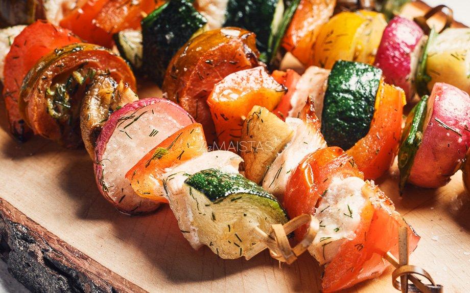 Vištienos ir daržovių iešmeliai su krapais