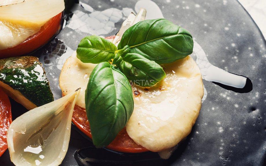 Kepti pomidorai su mocarela