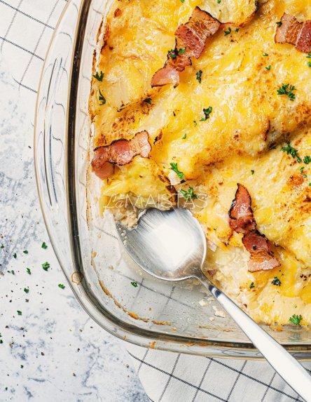Kopūstų apkepas su sūriu ir šonine