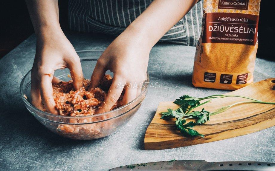 Itališki mėsos kukuliai pomidorų padaže
