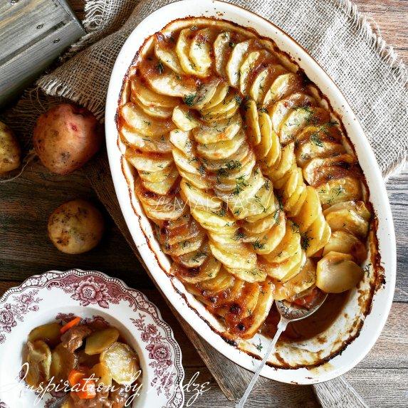 Puikus bulvių ir mėsos troškinys orkaitėje