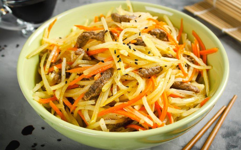 Korėjietiškos bulvių salotos