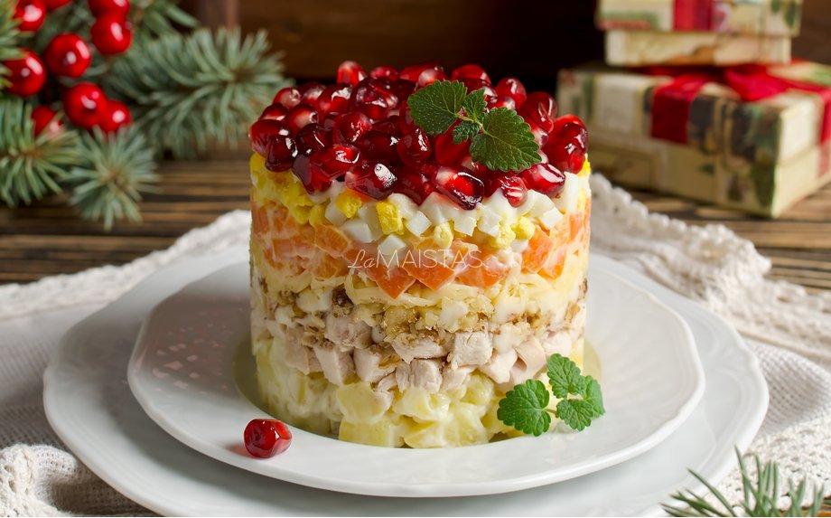 Šventinės vištienos salotos su granatais