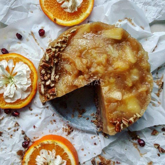 Nekeptas veganiškas obuolių tortas