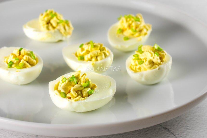 Įdaryti kiaušiniai su kreminiu sūriu ir vasabi