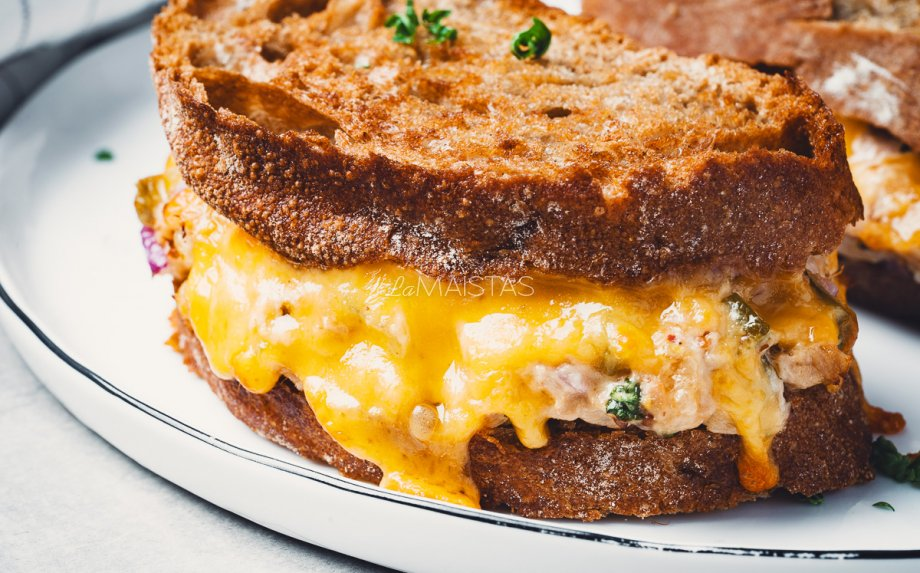 Tuno sumuštiniai su sūriu