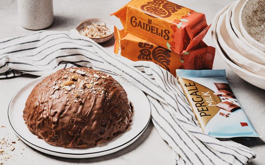 Sausainių tortas su kondensuoto pieno kremu