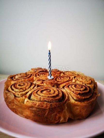 Varškės pyragas su cinamonu