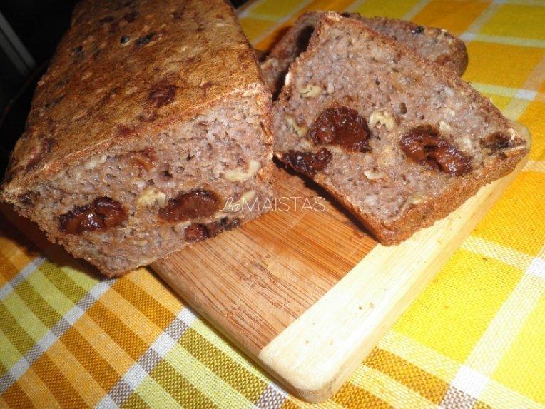 Duona su graikiškais riešutais