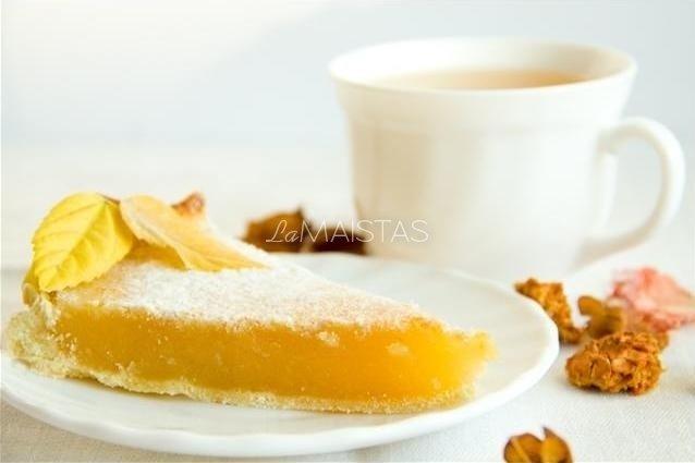 Citrusinių vaisių pyragas