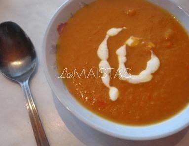Trinta paprikų, morkų ir obuolių sriuba
